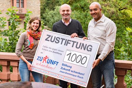 spendenuebergabe-stiftung_zukunft_schenken-schloss_vollrads-2016-aktuelles